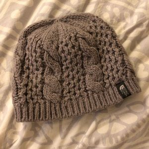 NWOT North Face Cable Minna Beanie in Gray